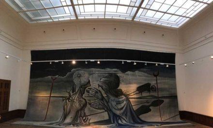 Lever de voile sur un exceptionnel rideau de scène de Salvador Dalí  aux enchères