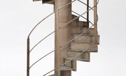 Faites monter les enchères pour la vente de l'escalier de la Tour Eiffel