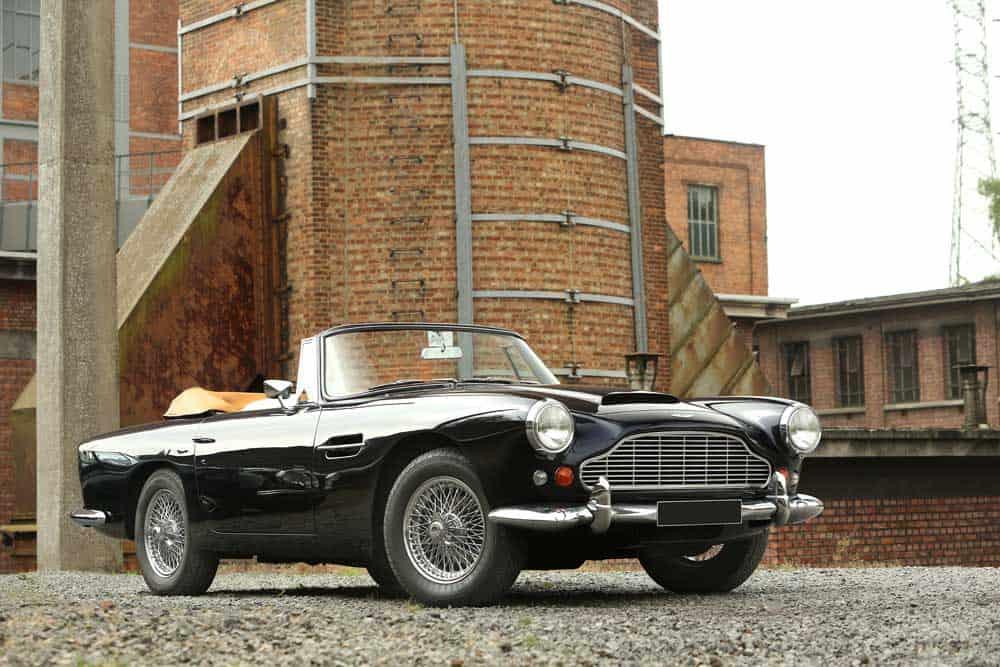 157-1963-aston-martin-db4-convertible-serie-5