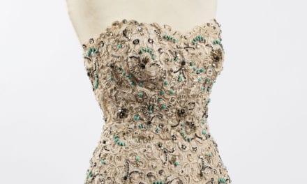 Aux enchères, Christian Dior fait dans la dentelle