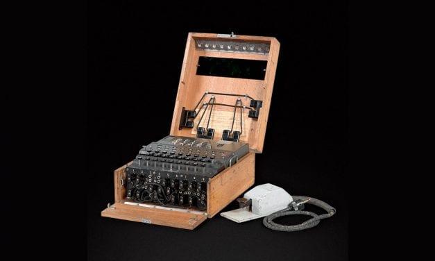 Deux machines de cryptage allemandes Enigma aux enchères