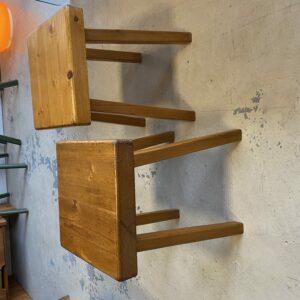 Charlotte Perriand - Rare paires de Tabourets - Assise carrée