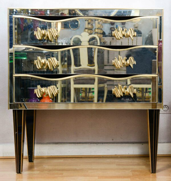 Italie - Commode recouverte de miroirs - 1969