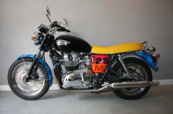 Moto Triumph - Bonneville by Paul Smith - 2006