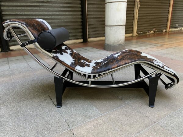 Le Corbusier et Charlotte Perriand - Chaise longue LC4 Poney