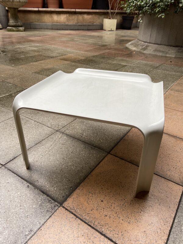Pierre Paulin - Table basse modèle 877