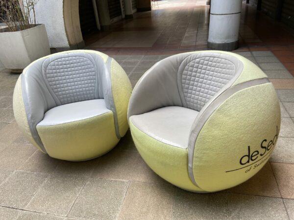 De Sede - Paire de fauteuils pivotants tennis ball