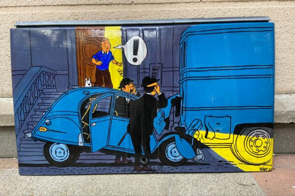 Malle-arriere-de-2CV-Tintin-