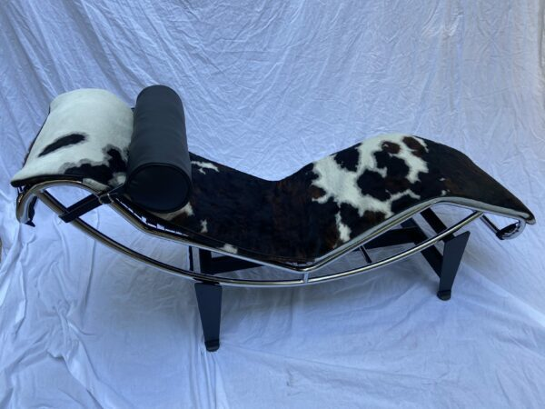 Le Corbusier - Charlotte Perriand - LC4 lounge chair