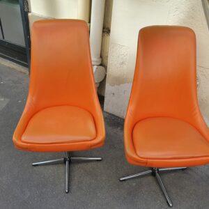 Pierre Guariche ( attribué à ) - Paire de fauteuils orange