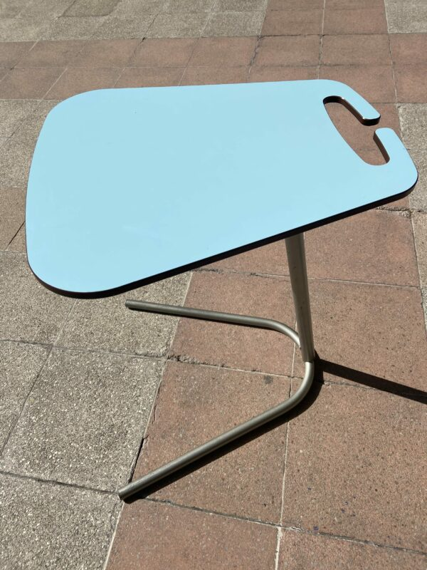 Table d'appoint orientable