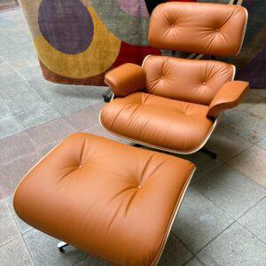 Charles Eames - Lounge chair et son ottoman Cognac